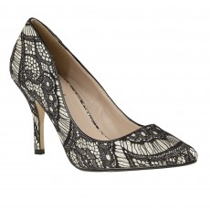 Lotus Heath Shoe Black Lace/Gold