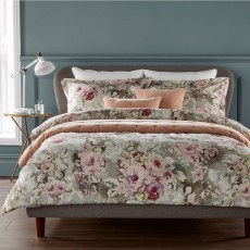 Christy Rosemore Bedding Soft Pink