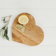 Naturally Med Heart Shaped Board 21cm