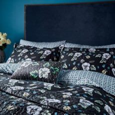 Gardenia Bedding Black