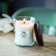Woodwick Magnolia Medium Hourglass Candle